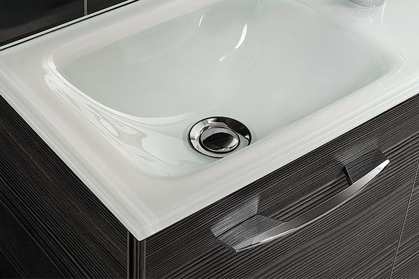 Tipps zur Badreinigung - Schlieren